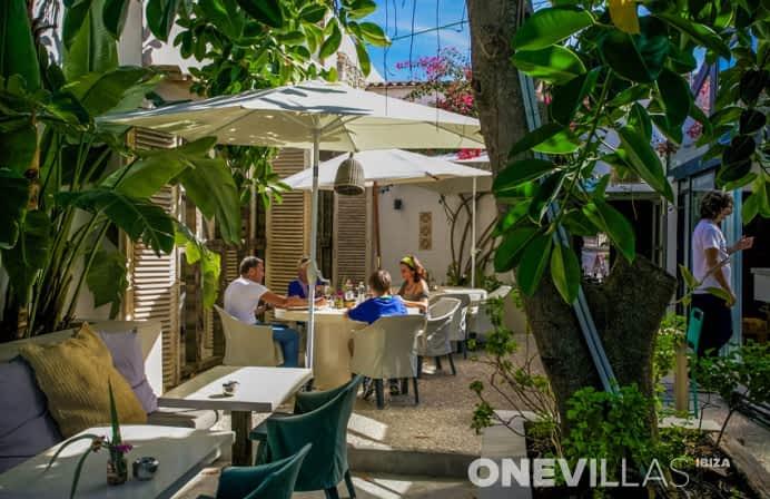 The Giri Cafe