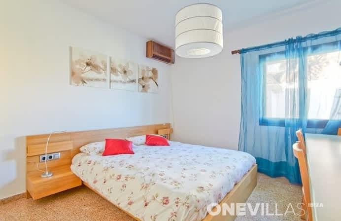 master bedroom van ibiziaans villa