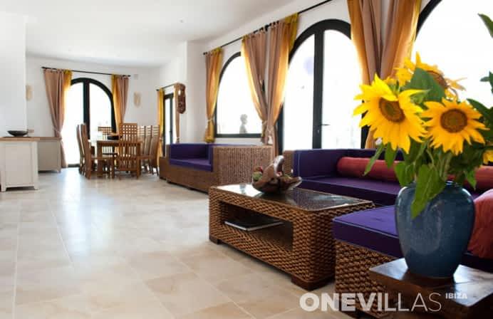 woonkamer van ibizaanse villa amalia