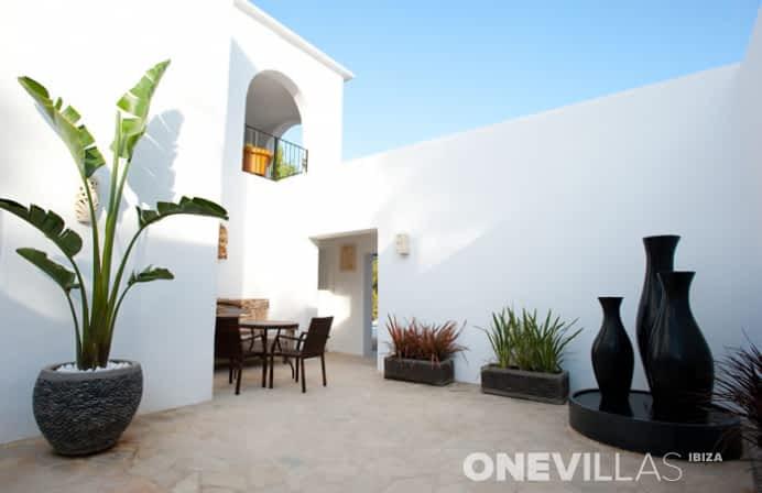 binnenplek van villa amalia in san lorenzo