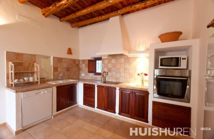 moderne keuken in authentiek huis