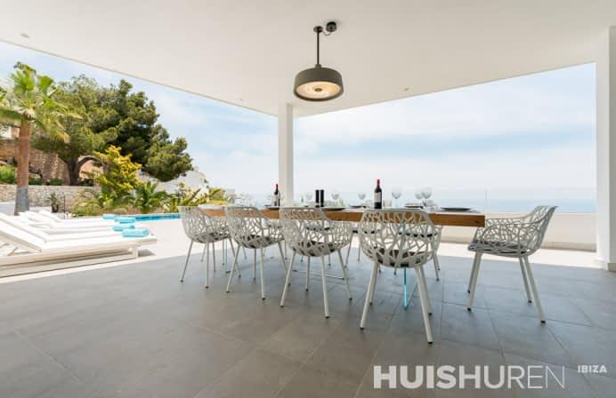 White Villa | Roca Llisa