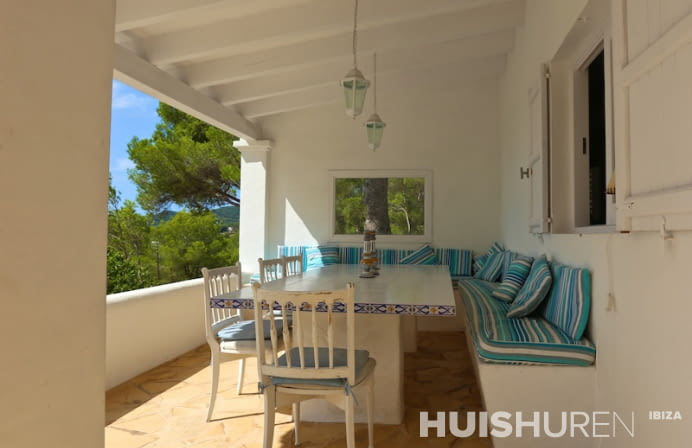 Villa met loungebank