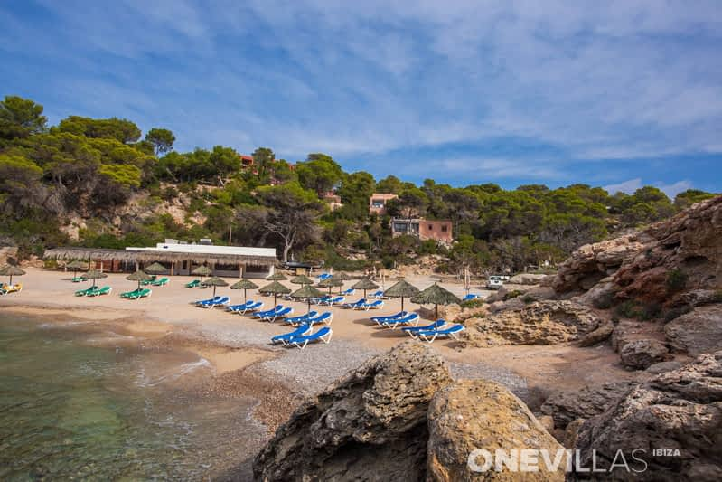 Cala Carbo | Rent a house or luxury holiday villa in Ibiza!
