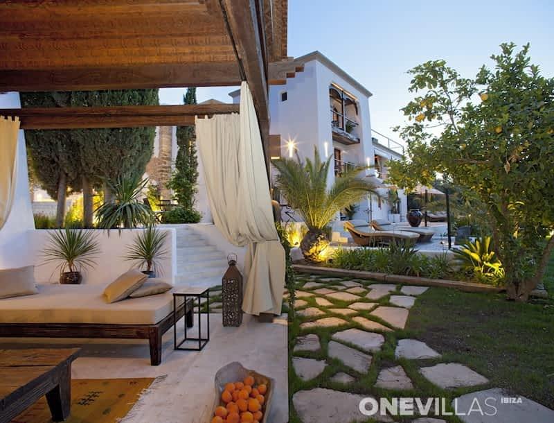 Sermita san miguel for Ibiza country villas