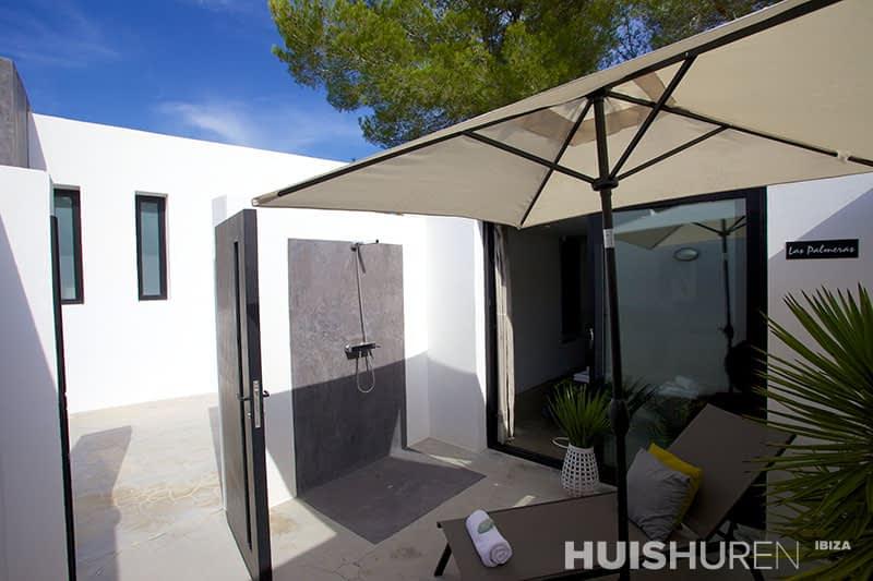 Villa colora is een imposante minimalistische villa gelegen bij san agustin - Buiten villa outs ...