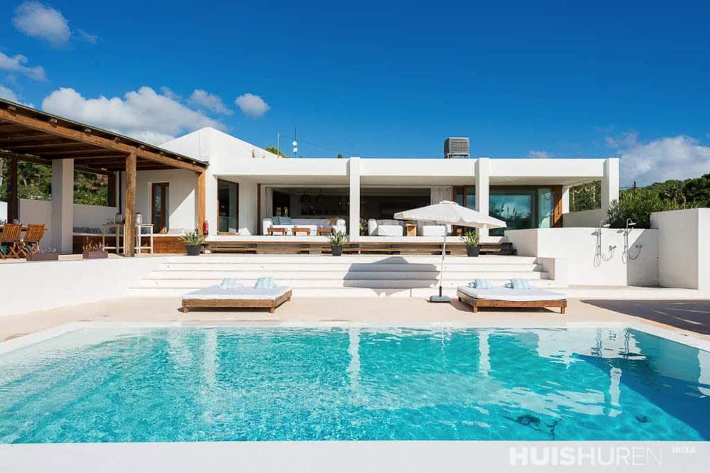 Welp Luxe villa met tennisbaan bij Talamanca CA-55